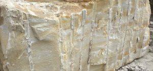 blocke aus sandstein