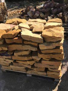 bruchsteine aus sandstein